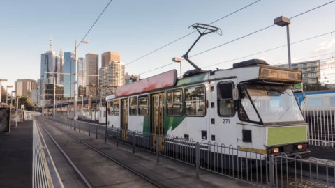 Victoria's largest solar farm powers Melbourne's trams
