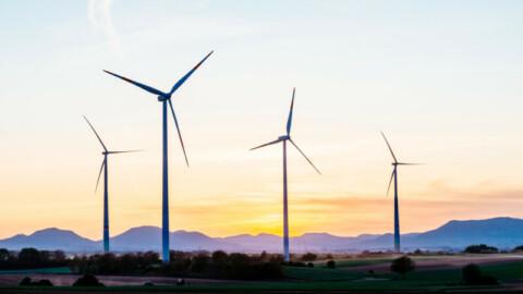 Warradarge Wind Farm to start generating